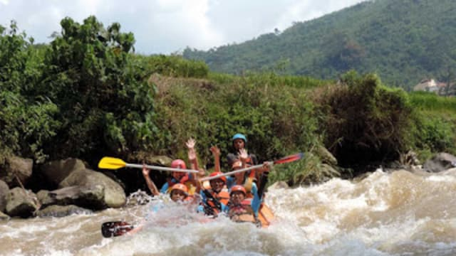 Mengikuti Laju Sungai Ciwidey, Kabupaten Bandung