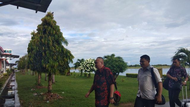 Kapolres dan Waka Polres Sambut Kunker Tim Kompolnas ke Wilkum Polres Sumba Barat