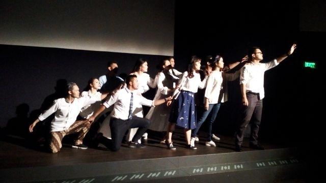 "Refleksi Warga Jakarta Lewat Pementasan ""1/JKT"" Oleh Teater Abang None"