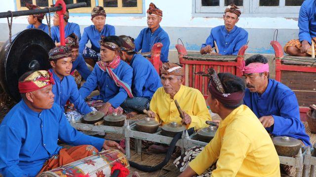 Menyaksikan Musik dan Tarian Tradisional Cupak Gerantang di Sembalun