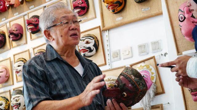 Abun Adira, Kakek Kolektor Ratusan Topeng Nusantara