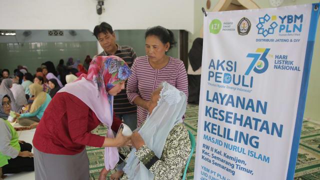 Sambut Hari Listrik Nasional, YBM UID JATENG DIY bersama IZI Adakan Pengobatan Gratis