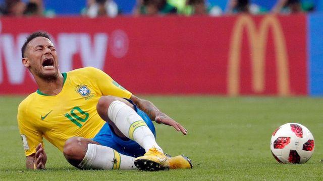 5 Aksi 'Diving' Paling Memalukan yang Pernah Dilakukan Neymar