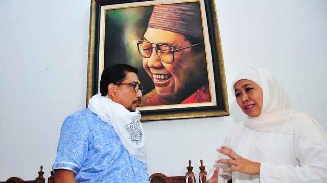 Khofifah Beri Timses Jokowi Surban Spesial, Machfud: Kita Satu Visi