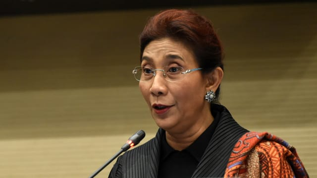 Topic Susi Pudjiastuti - kumparan Kumparan640 × 360Search by image ... Menteri Susi Akan Terima Gelar Doktor Honoris Causa dari ITS