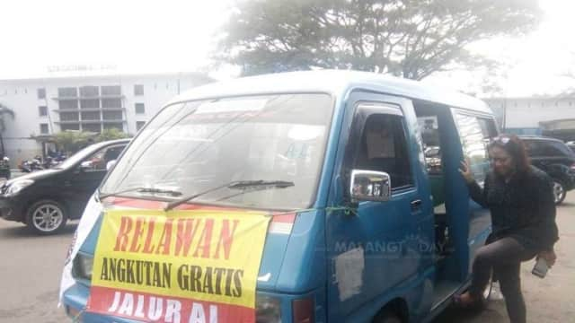 Ada yang Baru! Angkot Gratis di Tengah Demo Lawan Taksi Online