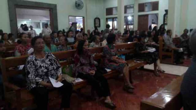 Umat Gereja St Lidwina Antusias Rayakan Ekaristi Peneguhan Imat Umat