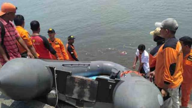 Nelayan Melihat Mayat Mengambang di Pantai Padang