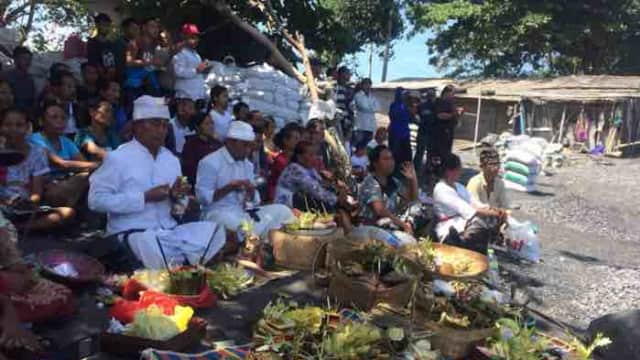 Setelah Gelar Upacara Ritual, Dua Mayat Korban Tergulung Ombak Muncul ke Permukaan