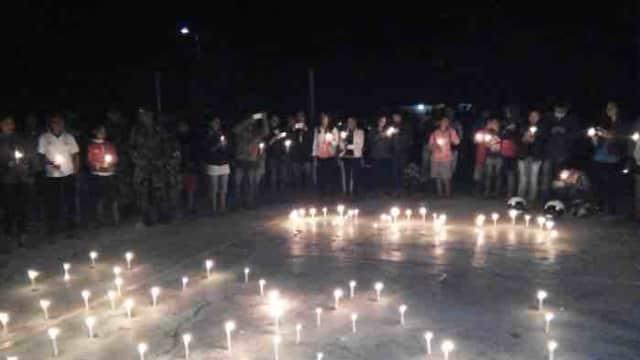 Aksi Damai 1000 Lilin oleh Pemuda Lintas Agama Sumba Tengah Dukung TNI dan Polri