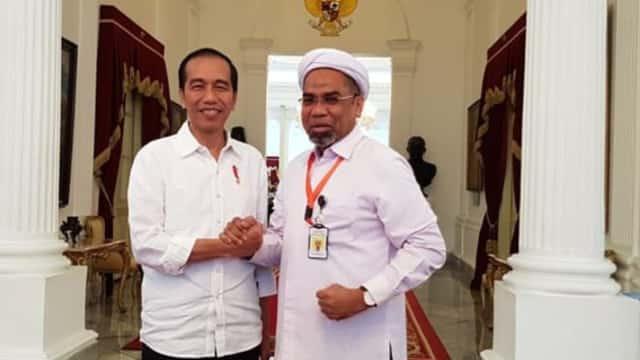 Mengapa Kita Tak Perlu Heran Melihat Ali Mochtar Ngabalin Masuk Istana