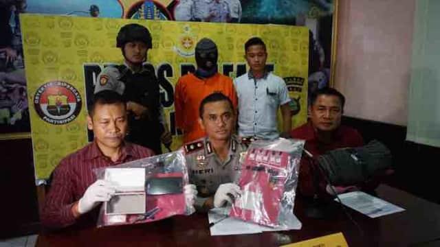 Edarkan Sabu Untuk Bekal Liburan, Pegawai Kontrak Dicokok Polisi