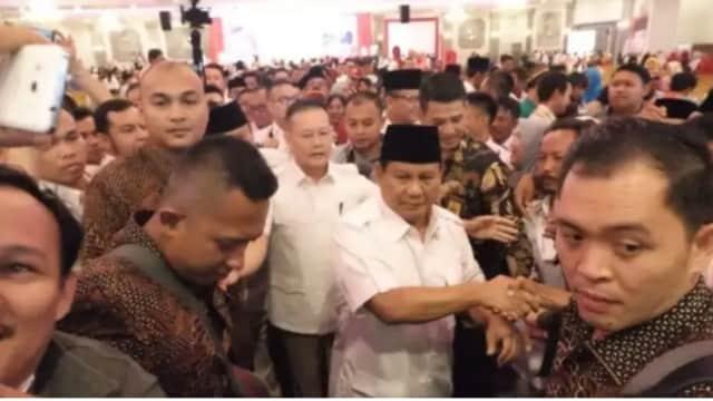 Guntur Romli: Ajari Prabowo Perbedaan Shalat Istikharah dan Shalat Hajat!