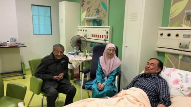 Politik Rekonsiliasi Mahathir Mohamad dan Anwar Ibrahim