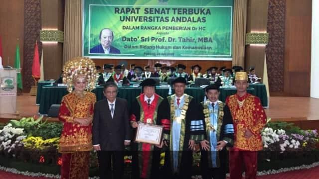 Universitas Andalas Hadiahkan Gelar Doktor untuk Dato' Sri Tahir
