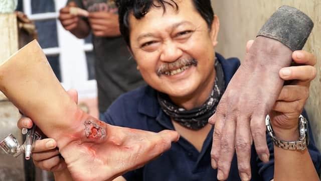 'Organ Manusia' di Tangan Seniman Replika Bandung