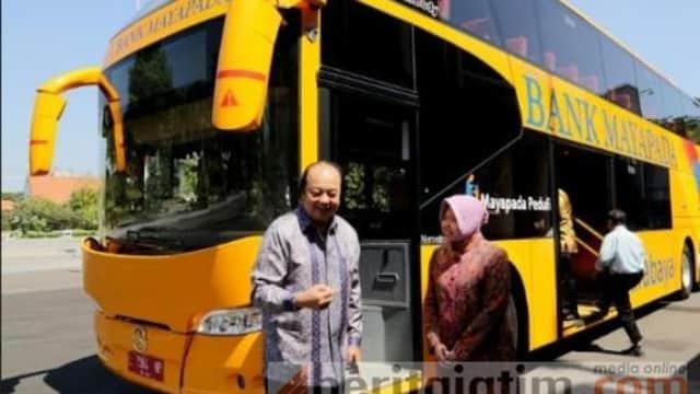 Bank Mayapada Berikan 2 Bus Tingkat dan Beasiswa Pendidikan Kepada Pemkot Surabaya