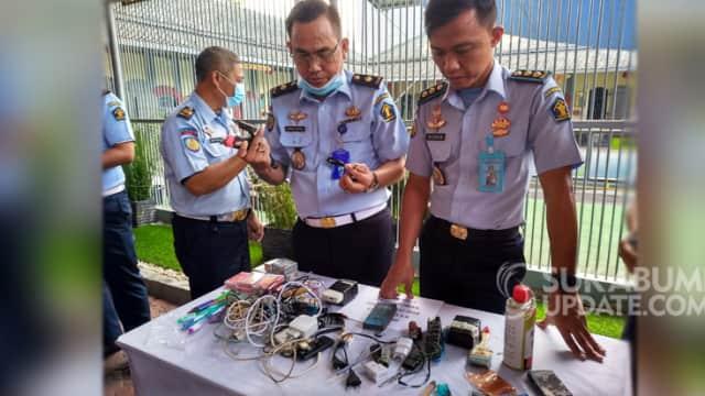 Sidak di Lapas Nyomplong Sukabumi, Petugas Temukan HP dan Pisau Cutter