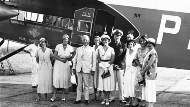 Maskapai Penerbangan Komersial Tertua