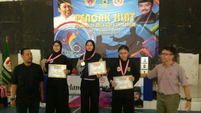 Mahasiswi Esa Unggul Rebut Juara Pencak Silat di Ajang Pekan Olahraga Kota Tanggerang