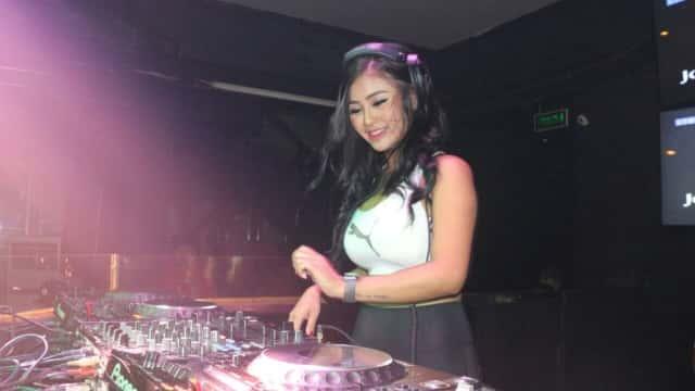 Berawal dari Model Terdampar Jadi Female DJ