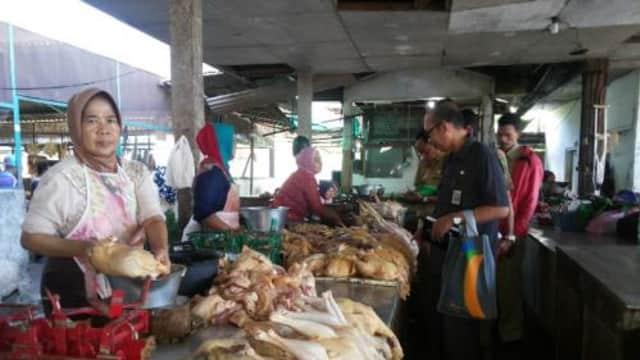 Permintaan Naik, Harga Daging Bertahan Tinggi