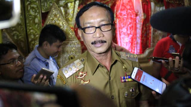 Dukung Jokowi, Ketua DPD PAN Pesisir Selatan Siap Dipecat