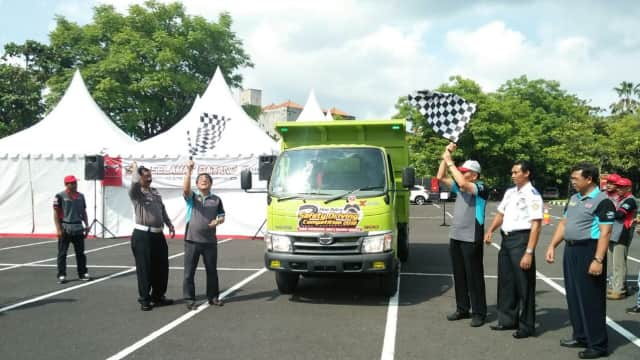 Hino Dutro  Gelar Safety Driving Competition