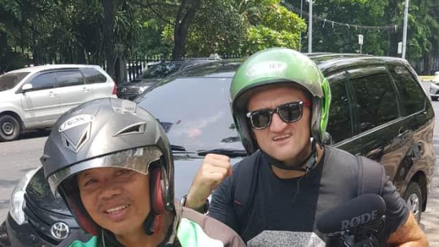 Casey Neistat Gunakan Ojek Online untuk Keliling Jakarta