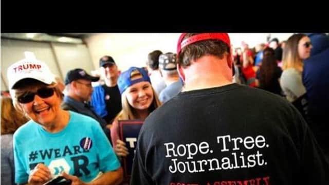 Kaos yang Dijual di Situs Walmart Mengancam Keberadaan Para Jurnalis