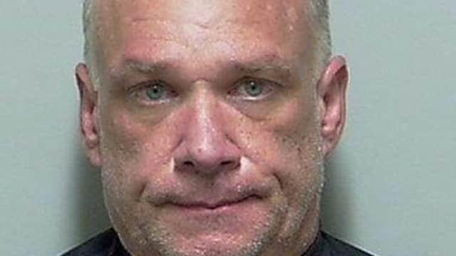 Pria Asal Florida Meminta Polisi Memeriksa Obat-Obatan Terlarang Yang Dimilikinya