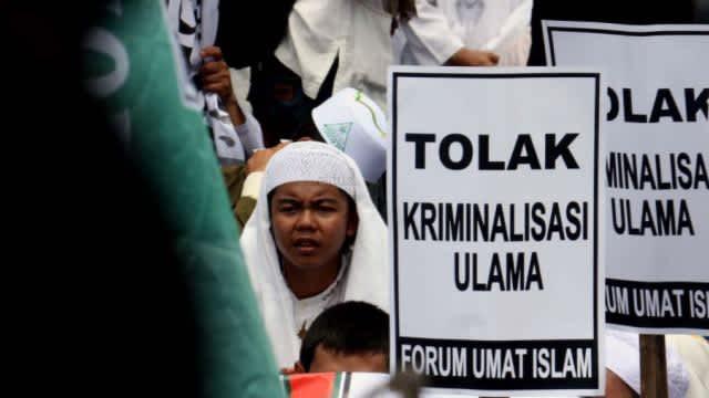Kriminalisasi Ulama atau Ulamanisasi Kriminal?