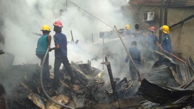 Satu Rumah di Medan Tembung Ludes Terbakar