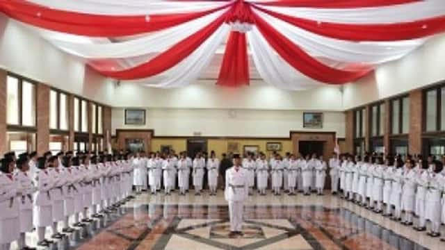 Pesan Risma untuk Paskibraka Kota Surabaya