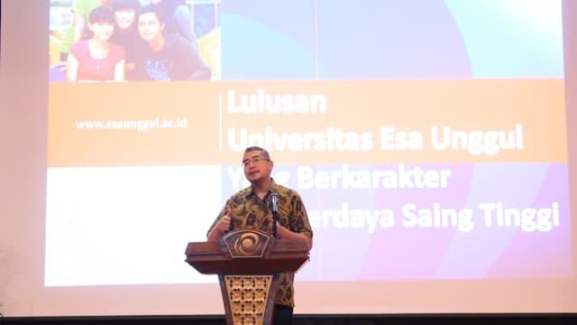Sambut mahasiswa baru, Rektor Universitas Esa Unggul Ingatkan agar Mampu Membagi Waktu