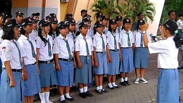 SMA/SMK Akan Digratiskan Khofifah, Risma Bersyukur