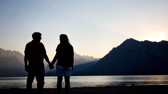 Apa Momen Romantis yang belum kamu lakukan?