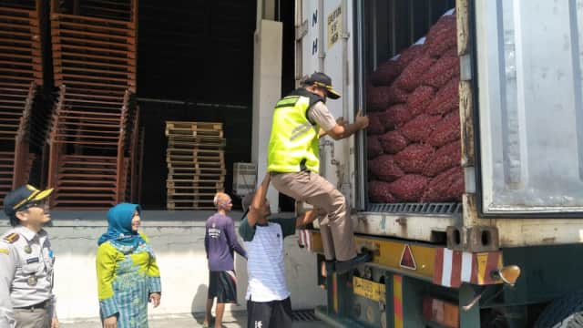 Perdana, Brebes Ekspor 28 Ton Bawang Merah ke Taiwan
