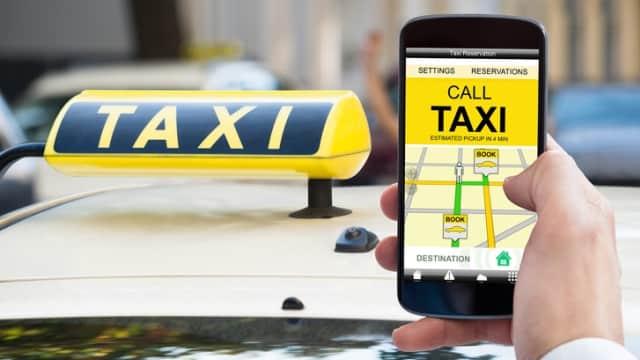 Cegah Kejahatan, Menhub Godok Aturan Standar Pelayanan Taksi Online