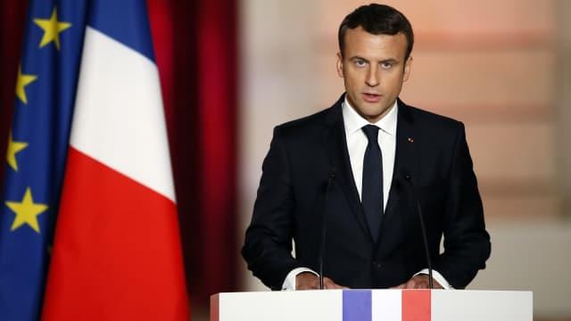 Presiden Prancis Janji Perangi Berita Hoax di 2018