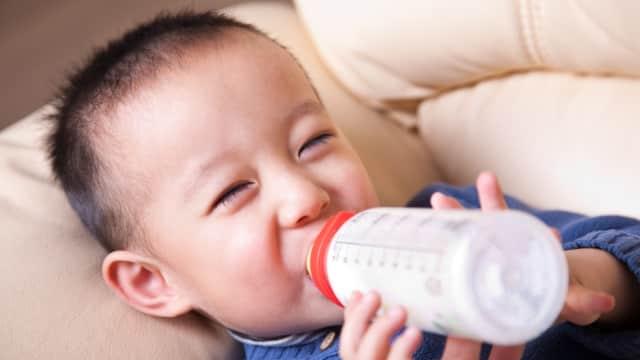 Kata Dokter: 4 Fakta DHA yang Terkandung Dalam Susu Formula
