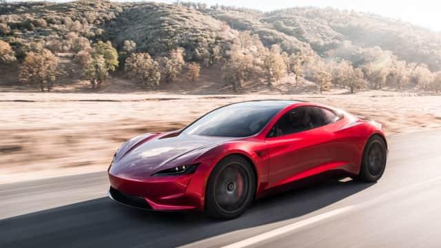 Elon Musk Mau Bawa Mobil Super Tesla ke Mars