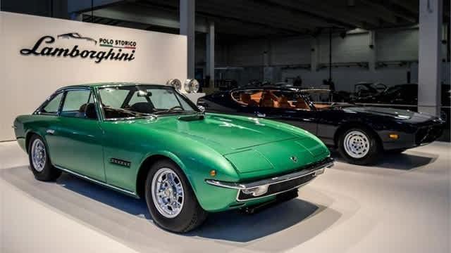 Perayaan Setengah Abad 2 Mobil Legendaris Lamborghini