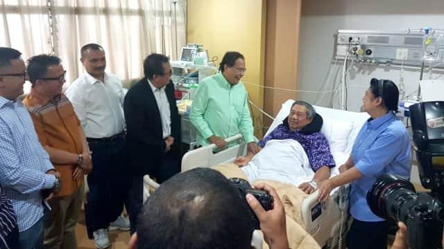 Tawa SBY Usai Disebut Penentu Capres Alternatif 2019 oleh Rizal Ramli