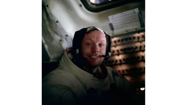 Tebak Tokoh: Siapakah Sosok Astronot Ini?