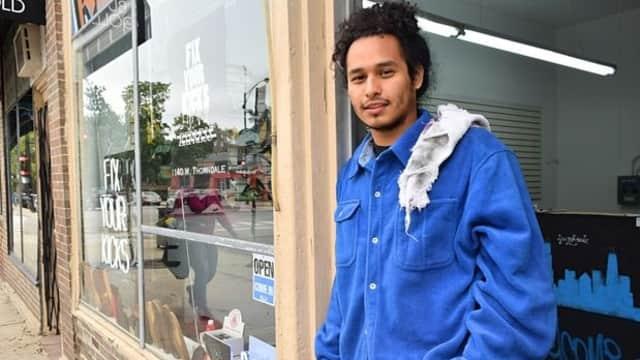 Mengenal Joshua Marin, Si Tukang Reparasi Sepatu 'Hype' Asal Chicago