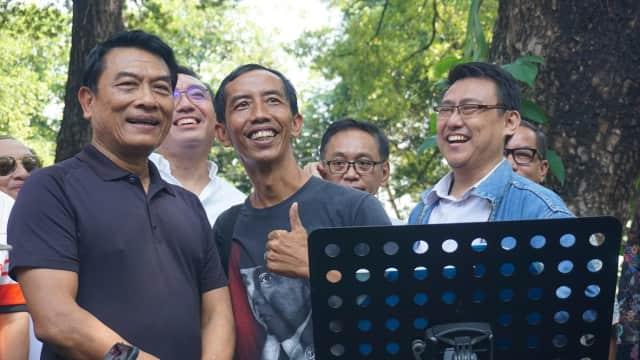 Jokowi KW Ikut Meriahkan Ulang Tahun Moeldoko di Taman Suropati