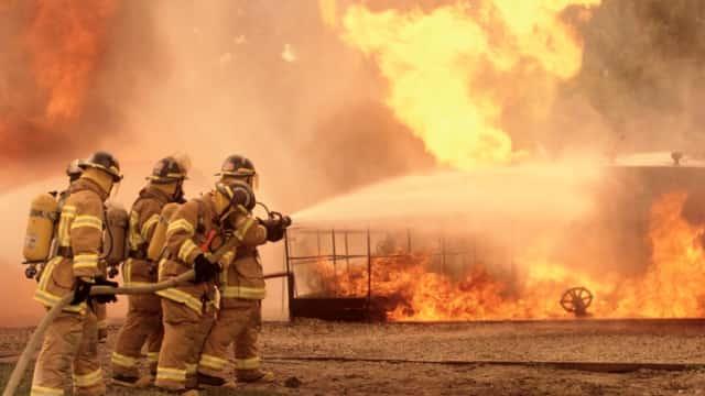 Asrama Pesantren di Jaksel Dilalap Api, 18 Unit Pemadam Diturunkan