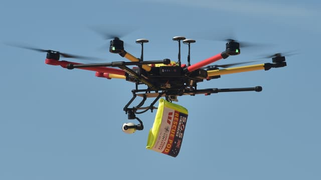 Pertama di Dunia, Drone Selamatkan Korban Tenggelam di Laut