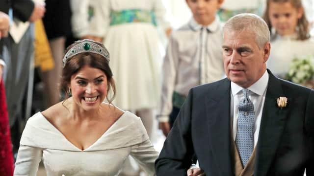 Ketika Pangeran Andrew Jadi Bridesmaid Dadakan Putri Eugenie